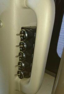 デリカサブバッテリー集合スイッチ