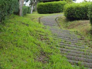 亀山公園ロングスライダー階段