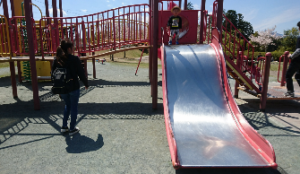 上川町遊歩道公園複合遊具